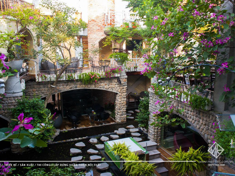 Mẫu thiết kế quán cafe sân vườn đẹp 2