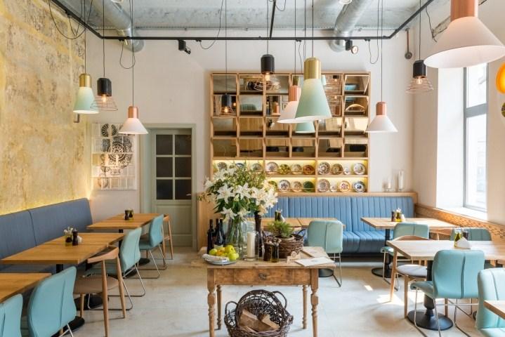 Nội thất quán cafe bằng gỗ đơn giản